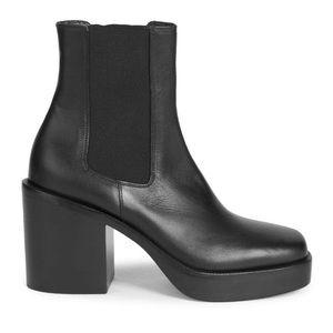 balenciaga Leather Chelsea Boots EUR38